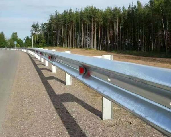 高速护栏板重量