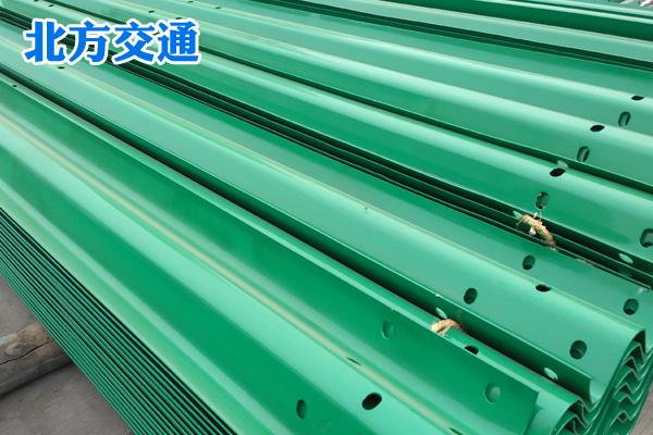 黑龙江高速护栏板生产厂家