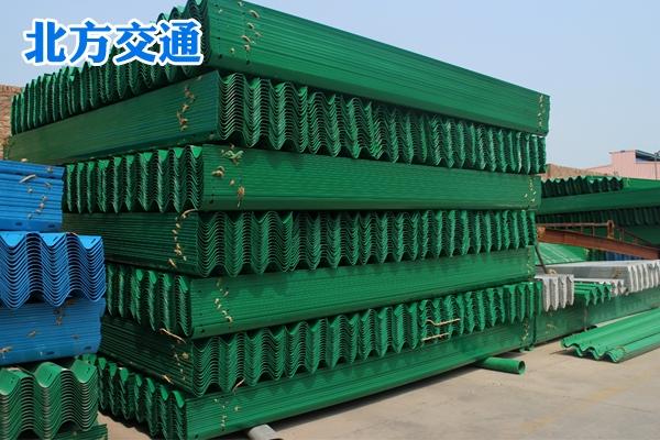新疆高速护栏板