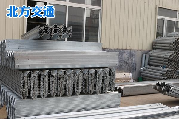 云南高速护栏板厂家