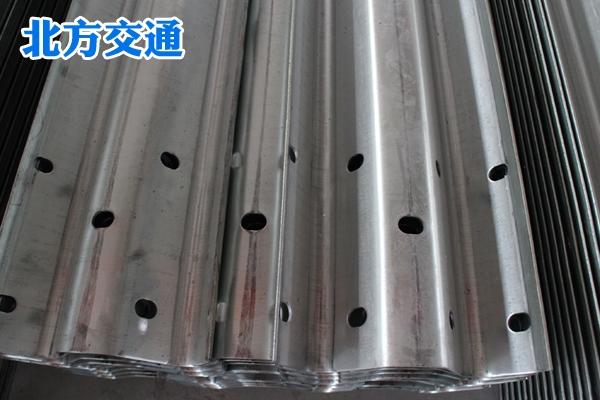 河南高速护栏板生产厂家