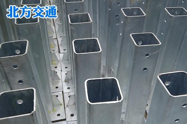 高速护栏板法兰立柱